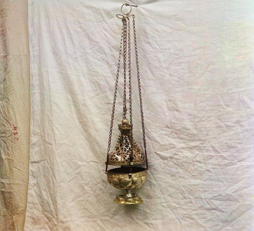 Кадило. Дар И. И. Годунова. В ризнице Ипатьевского монастыря. Фото С. Прокудин-Горский. 1911 г.