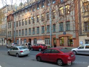 БЛОХИНА, 12 В доме №12 на ул. Блохина (ранее улица носила название Церковной, 8А), в квартире 27, принадлежавшей секретарю Русского общества любителей мироведения В. А. Казицыну, с 1915 по 1922 гг. проходили заседания РОЛМ.