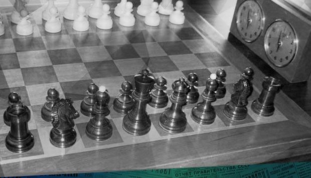 И шахматные столики нужны