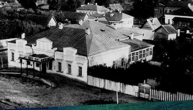 Строительство летнего театра в саду Общественного собрания Брянска
