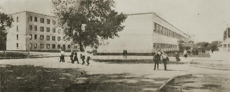 Новая школа по улице им. ХХII партсъезда. Фото И. Мелещенко.