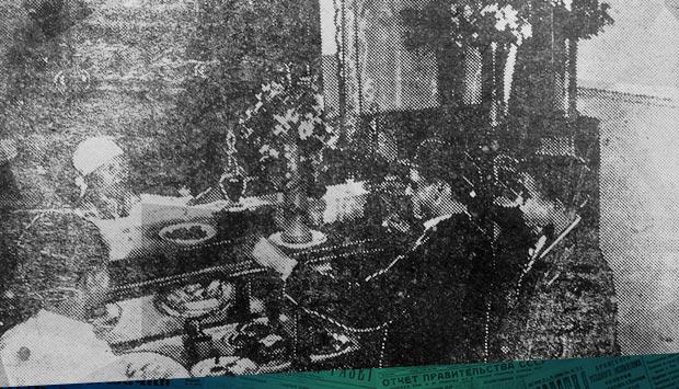 Рабочее кафе // Брянский рабочий. – 1934. – 28 сен. (№226): 85 лет назад в Брянске при Мехартзаводе (Брянский Арсенал) открылось первое в городе рабочее кафе