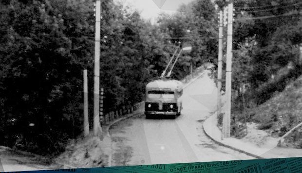 Пробный рейс троллейбуса // Брянский рабочий. – 1960 – 7 ноя. (№266). С. 1: из хроники троллейбусного движения в Брянске. 6 ноября 1960 г.